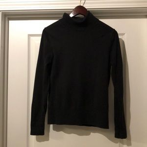 Lilly Pulitzer black turtleneck M